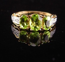 5CT peridot ring /  diamond ring / Vintage 10kt gold / Size 6 1/2 / 1st ... - $245.00