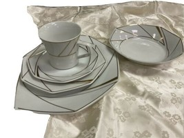 Ranmaru  Crystalline White China Place Setting For 5 includes soup - $31.93