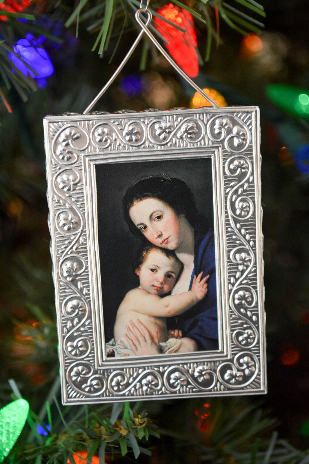 Primary image for Hallmark - Madonna and Child - Renaissance Frame - Classic Ornaments