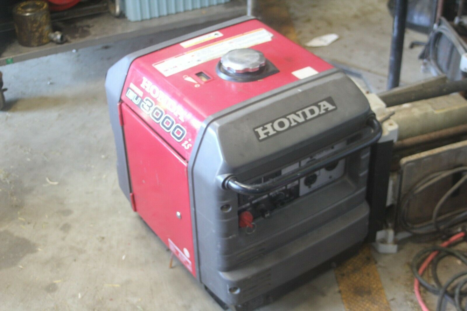 Honda EU3000iS 3000 Watt 4.02 HP Generator