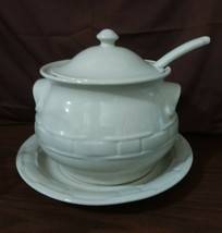Longaberger Pottery Woven Traditions LARGE SOUP TUREEN Ivory 4 Piece - $89.95