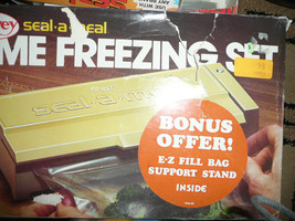 NEW HTF NEW DAZEY SEAL A MEAL HOME FREEZING SET MADE IN USA + BONUS BAGS... - £41.67 GBP