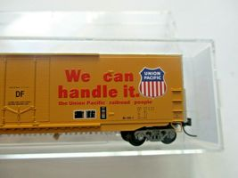 Micro-Trains # 18100142 Union Pacific 50' Standard Boxcar Plug Doors N-Scale image 3