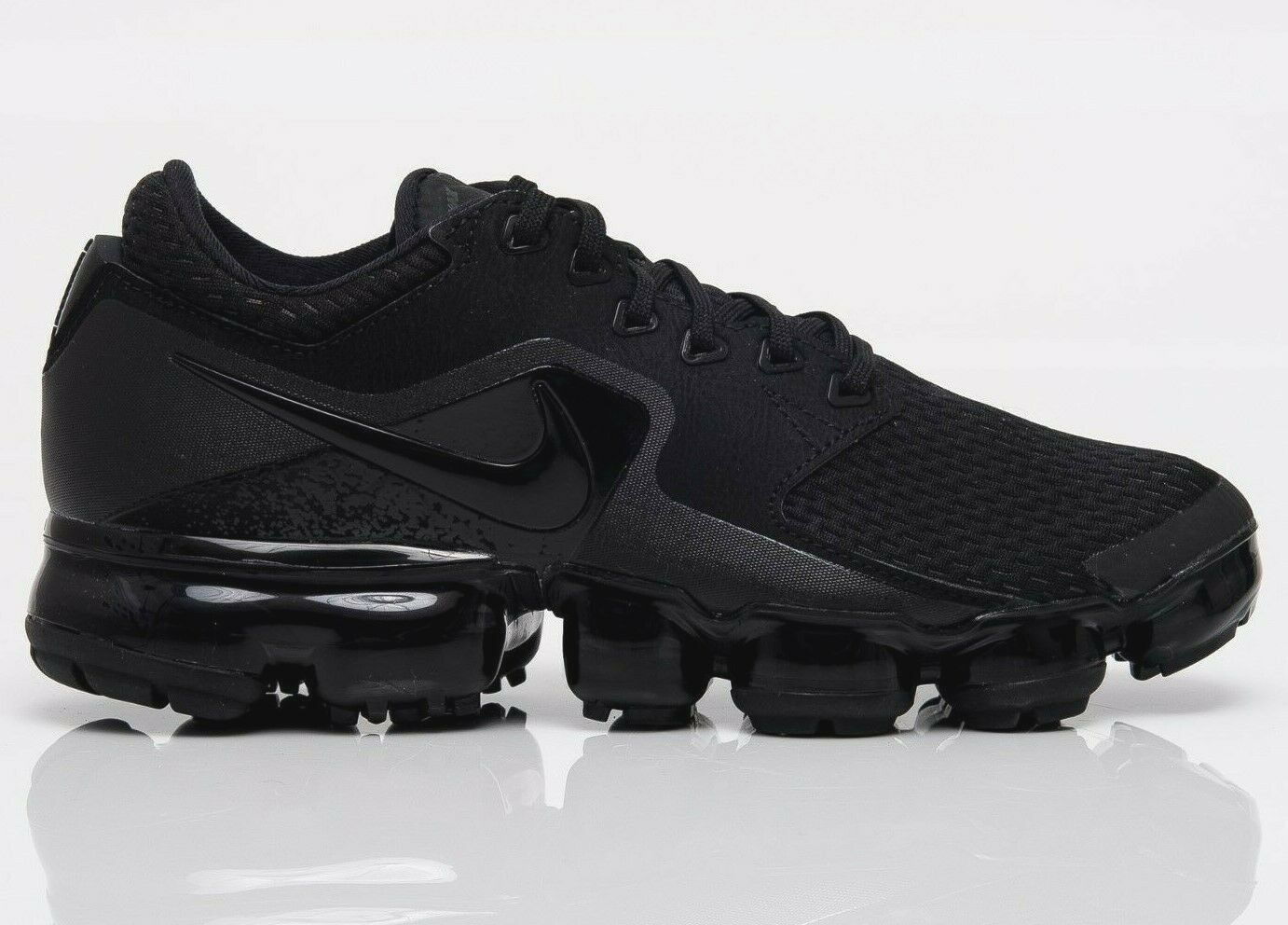 "Primary image for NEW NIKE AIR VAPORMAX wmn US sz: 7 (24cm)  ""TRIPLE BLACK""  AH9045-002"