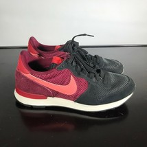 Nike Internationalist Sz 8.5  Suede & Mesh Athletic Sneaker Women's Shoes - $22.77
