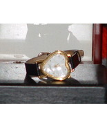 Pre-Owned Women's Heart Shape Black & Gold Analog Quartz Watch - $8.91