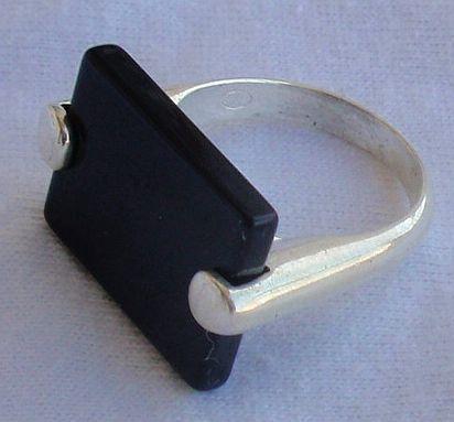 Black ring B