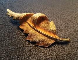 Vintage Coro Textured Goldtone Curved Leaf Brooch Pin - $9.85
