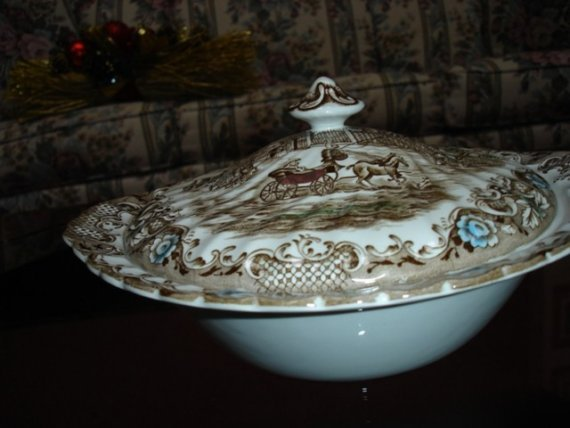 Vintage Heritage Hall Covered Serving Dish