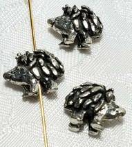 PORCUPINE BEAD 3D FINE PEWTER BEAD 11x15x7mm; 1.5mm Hole