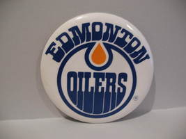 Edmonton Oilers NHL Hockey Pinback Button Souvenir Lapel Pin - $6.99