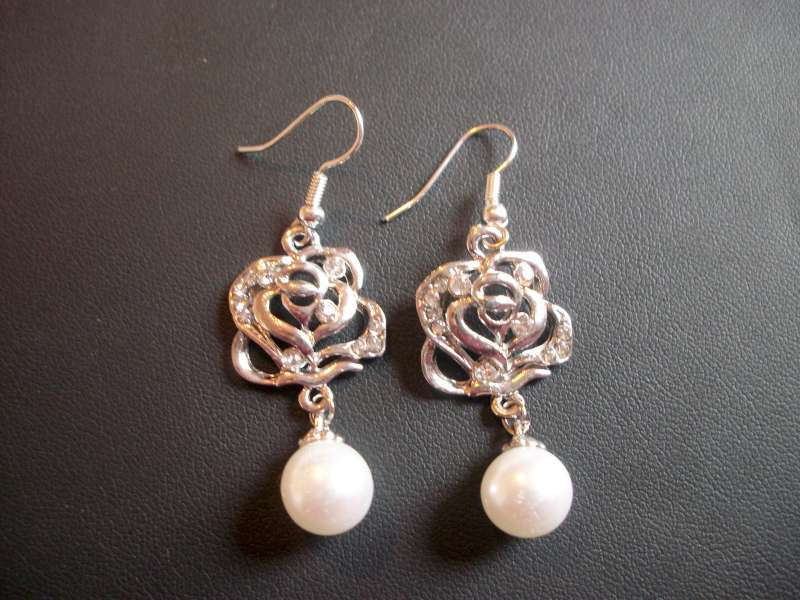 Beautiful Rose Imitation Pearl Silver Dangle Earrings With Rhinestones
