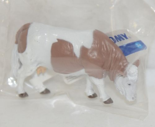 Tomy LP65096 John Deere Brown White Simmental Cattle Collect N Play
