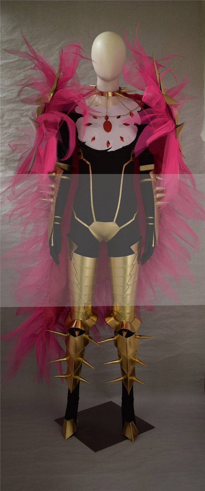Fate apocrypha lancer of red karna cosplay costume for sale