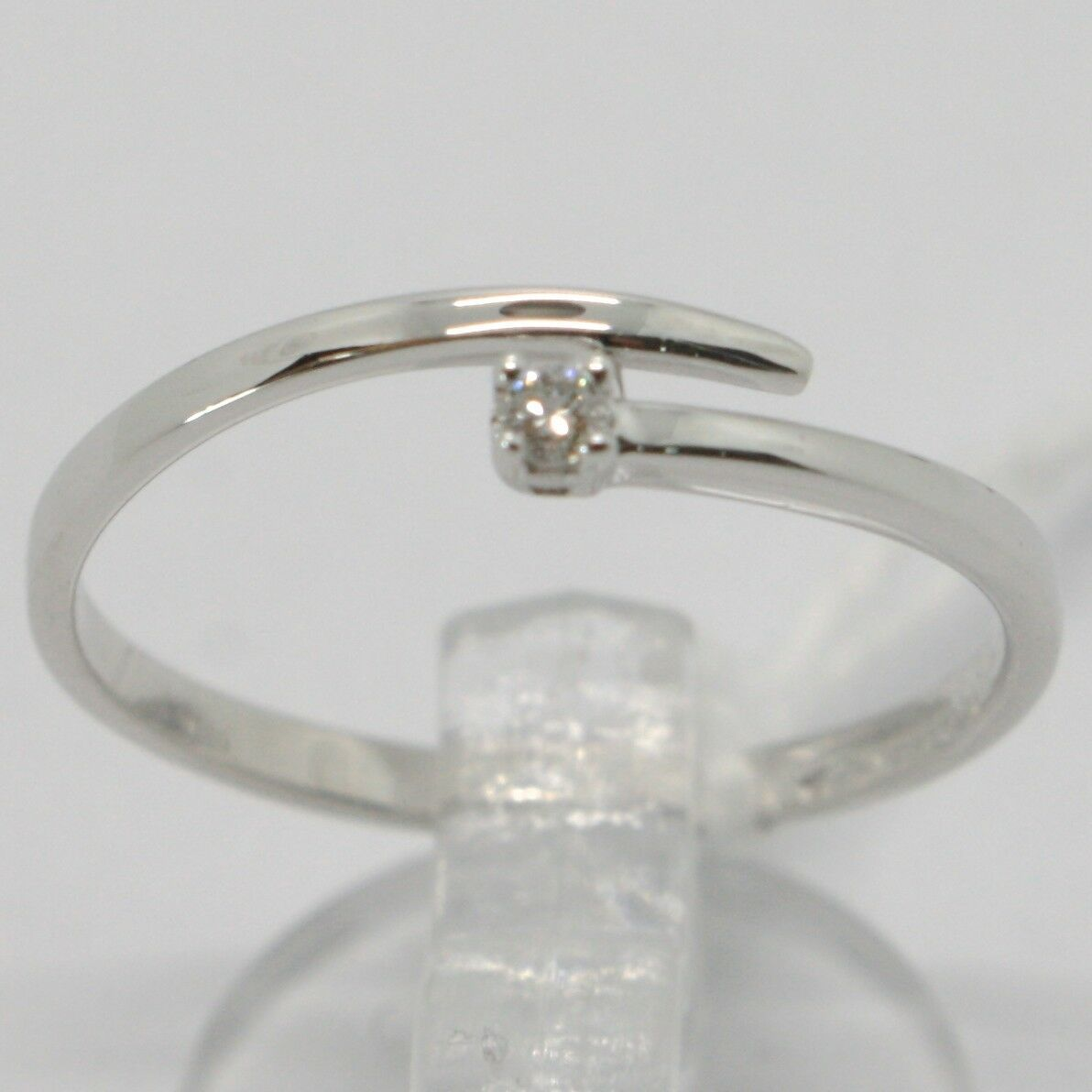 White Gold Ring 750 18k,Solitaire, Snake, Rail with Diamond Carat 0.03