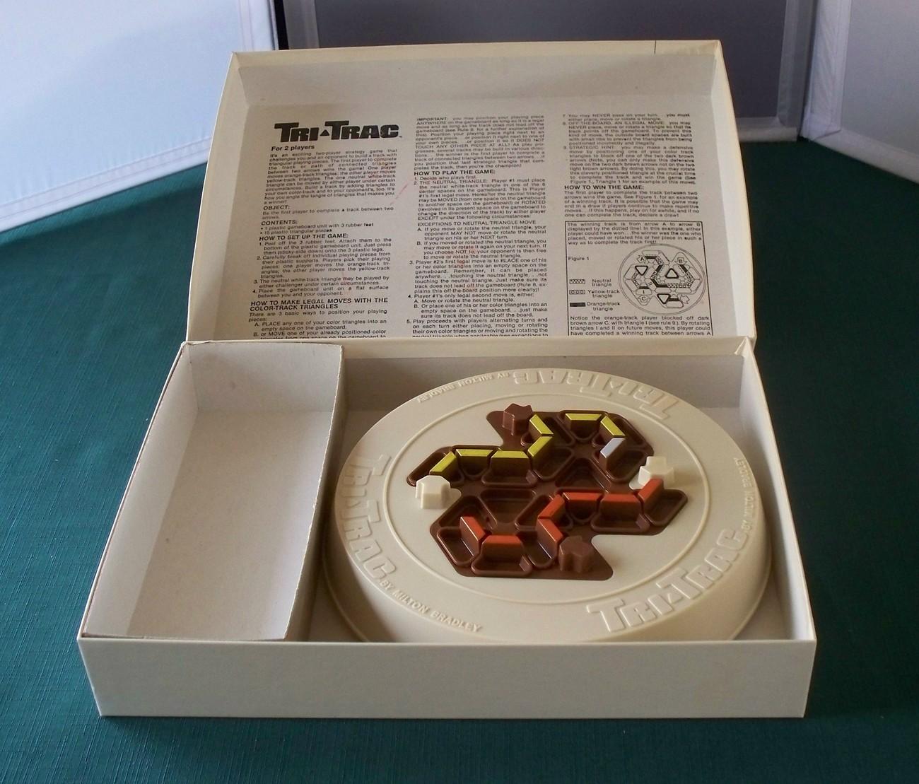 Tri-Trac Two-Player Strategy Game Milton Bradley 1980 VGC