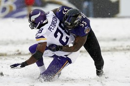 Adrian Peterson Terrell Suggs 8X10 Photo Minnesota Vikings Picture Nfl Football - $3.95