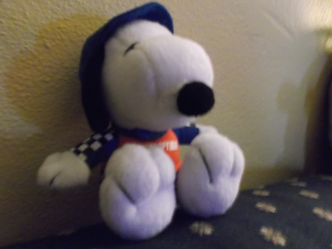 "Met Life Racing Snoopy ""Peanuts""  Sitting Plush Doll image 3"