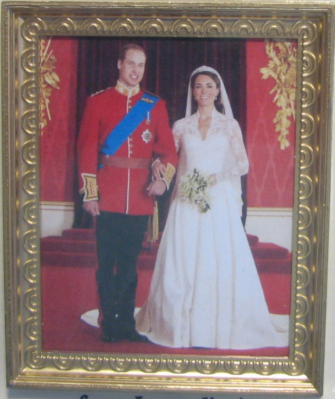 DOLLHOUSE Royal Wedding Formal Portrait Jacquelines 9969 Wills Kate Miniature image 2