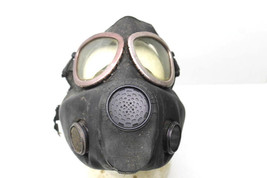 Vintage U.S. Army Military Surpus Rubber Gas Mask Respirator Viet Nam War Era    - $35.76