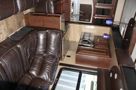 2015 Dutchman Voltage 3970 FOR SALE IN Alexandria, VA 22314 image 4