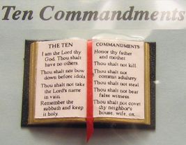 Dollhouse open Bible 10 Commandments Jacqueline 4917 ribbon readable Min... - $4.70
