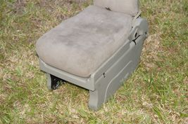 05-10 Honda Odyssey Plus One Center Middle Jump Seat FABRIC / CLOTH - Olive image 6