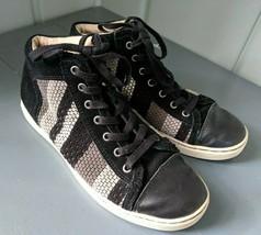 UGG Australia Taylah Woven Suede Shoes Sneakers Womens 9  Stripe 1011221 Black - $106.42