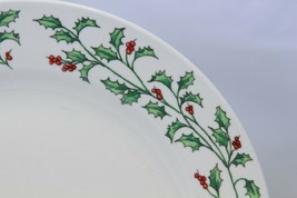 """Holly Berry Dinner Plates Made in China 10.75"""" Lot of 11 image 2"""