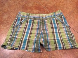 Plaid Shorts Apt 9 Green Women's Sz 4 - $5.00