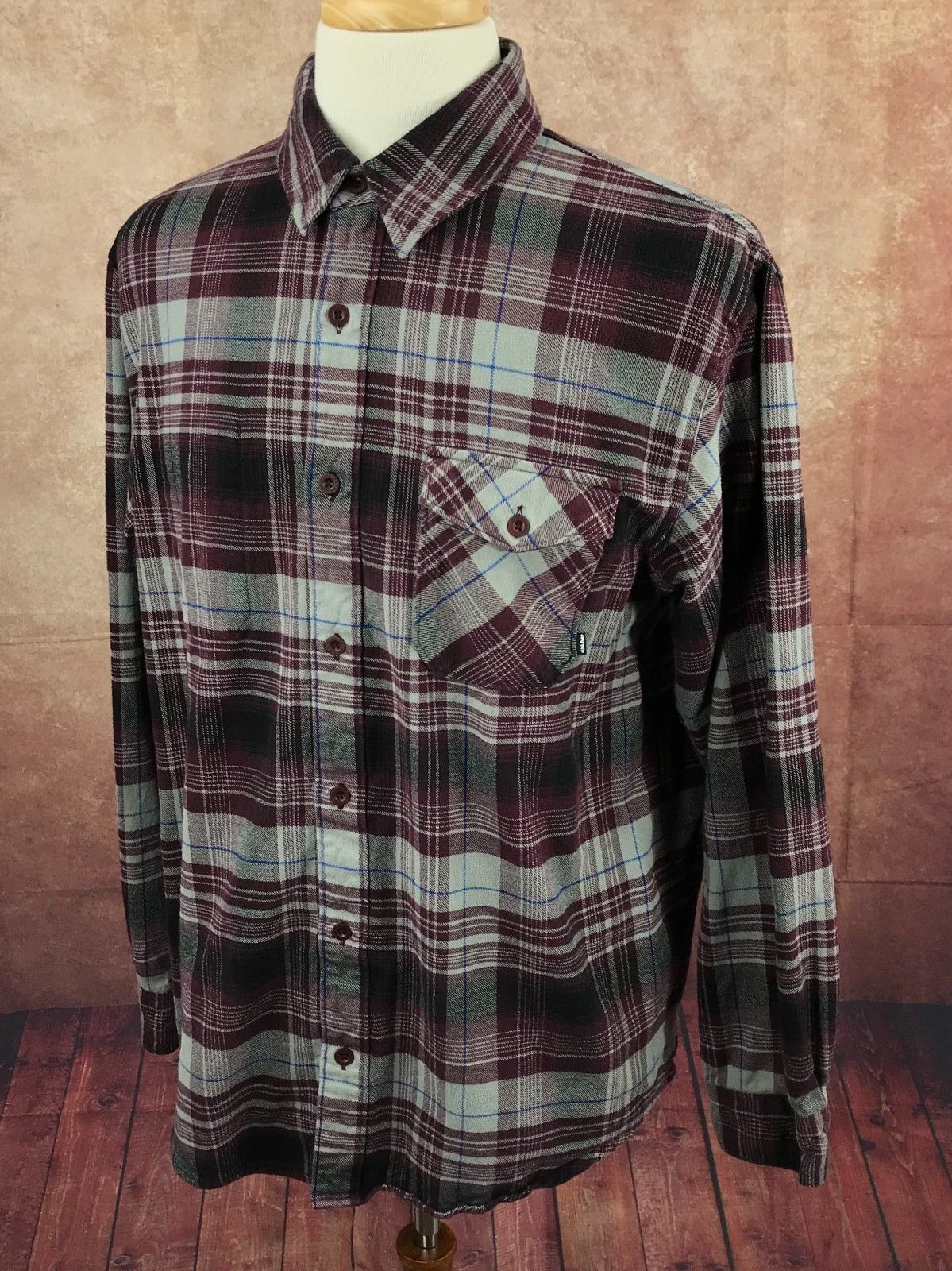 0abd3796 Nike 6.0 Button Front Long Sleeve Flannel and similar items. 57