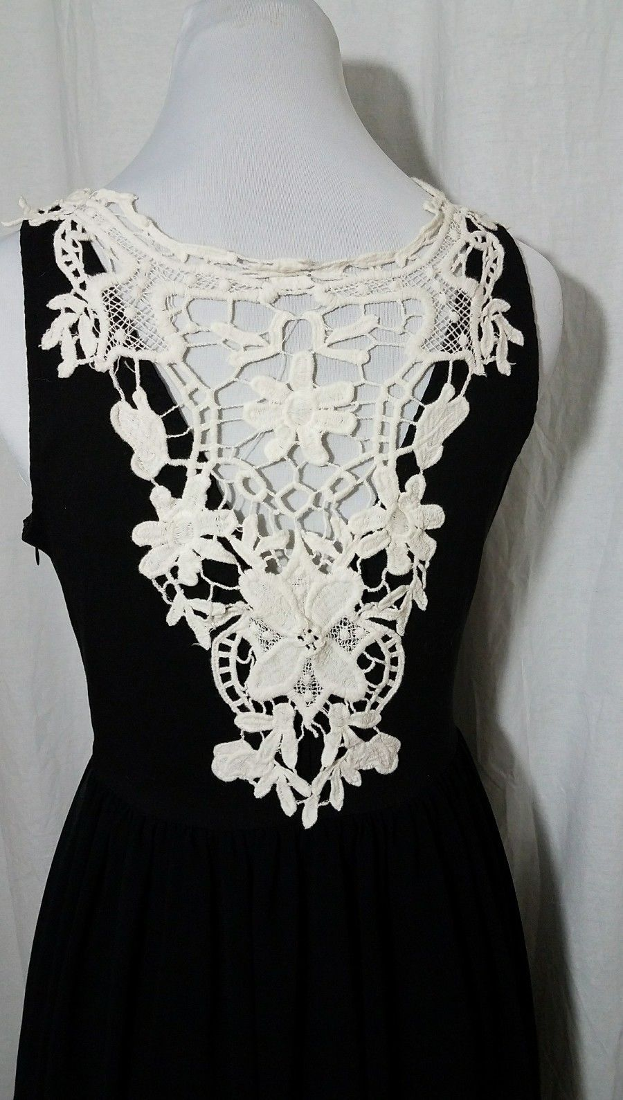 Black Dress White Lace Back Neckline Multi Layer Sleeveless Junior Size  Med