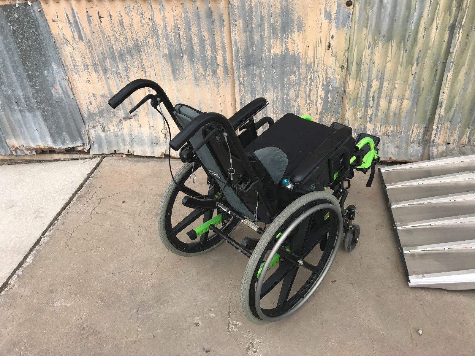 Quickie CGT-3275 Manuel Wheelchair J2 J3 Cushion image 4