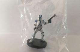 Star Wars Minatures: Clone Trooper Blue 9/60 Republic 9 Revenge Sith 2005 - $2.52