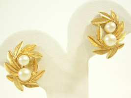 AVON Leaves n Pearls Clip Earring Gold Plate Evening Creation Collection... - $16.82