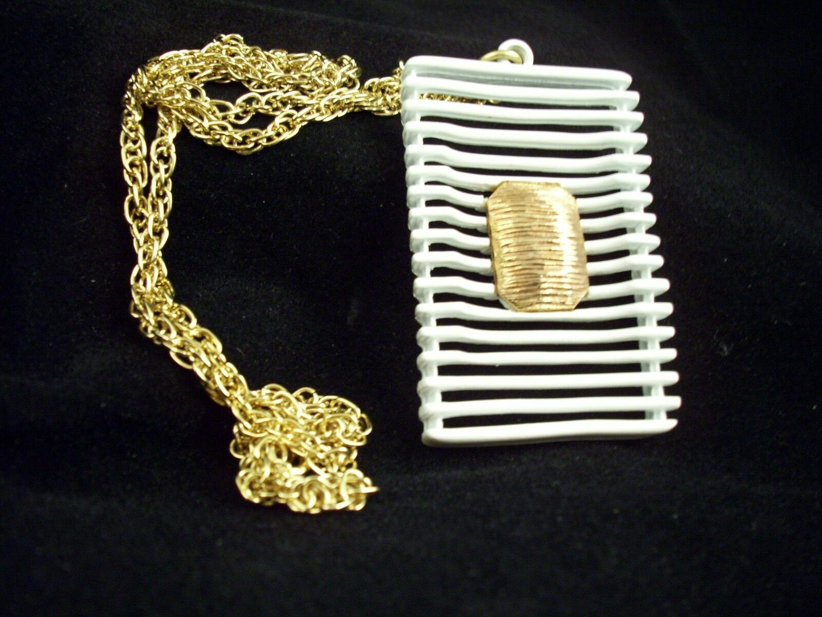 JJ ABSTRACT  WHITE Enamel Pendant Necklace Gold Plate Avant Garde GEOMETRIC
