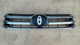 Toyota Hilux Revo Pickup 2015-2017 Grille CHROME-PAINTED Textured Surface - $124.70