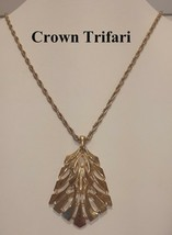 Vintage 1970's Crown Trifari Modernistic Gold Tone Pendant and Necklace - $14.95