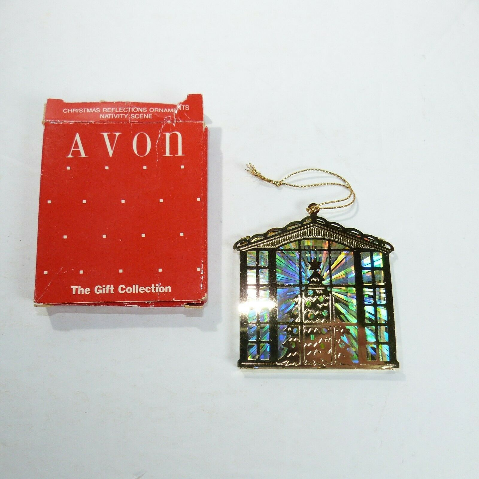 Vintage Avon The Gift Collection CHRISTMAS REFLECTION ORNAMENTS Tree scene