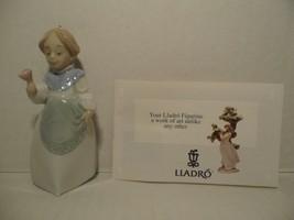 "LLADRO CHRISTMAS PORCELAIN ORNAMENT ""MRS. CLAUS"" NO. 05939 - $74.24"