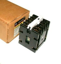 NIB New GE General Electric   CR120AD02247AA   Industrial Relay 4-Pole 10 Amp - $99.99