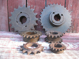 Lot of (6) Vintage Antique Cast Iron Gears Sprockets Steampunk Industrial - $54.44