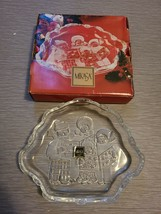 """Mikasa Holiday Theme """"Carolers"""" Candy or Sweet Dish 8.25"""" Decorated & Etched - $11.39"""