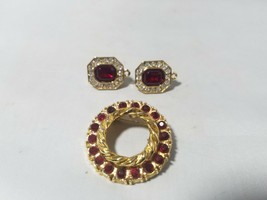 AAI Vintage Signed Brooch Round Red Stone Gold Tone + Matching Earrings - $23.24
