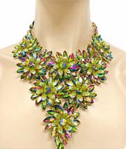 Lujoso Iridiscente Vidriera Verde Collar Babero Noche Grueso Collar de Flores - $83.49