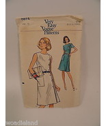 Very Easy Vogue Retro Dress Pattern Misses Used Cut 8874 A-Line Sz 12 - $9.99