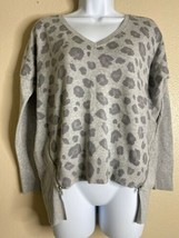 Express Womens Size XS Gray Animal Print Zippered Knit Top 3/4 Sleeve  - $14.67