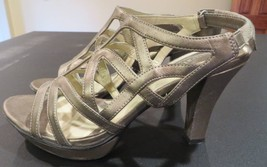 Naturalizer N5 Comfort Metallic Sandals Women's Size 7 OK Pre-Owned Cond... - $8.99