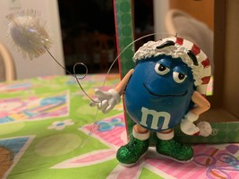 2007 Department 56 Blue M&M's Ornament W Santa Hat Holding Snowball Retired New - $19.99