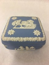 Vintage Wedgwood Blue Jasperware Large Covered Trinket Dresser Jewelry Box - $46.06 CAD